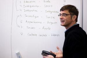 Pierre Rouyer prépare la présentation avec les rédacteurs en chefs