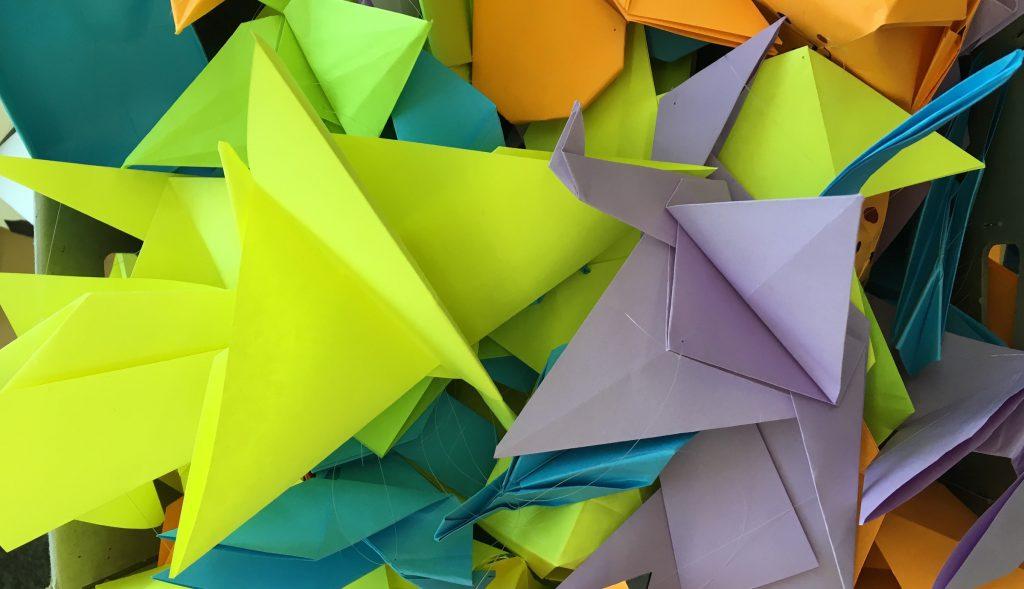 Grues en origami par Qwertz